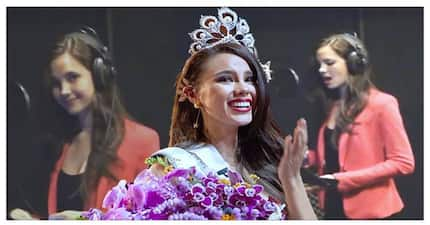 Enchanting! Catriona Gray continues to impress with her O Holy Night cover