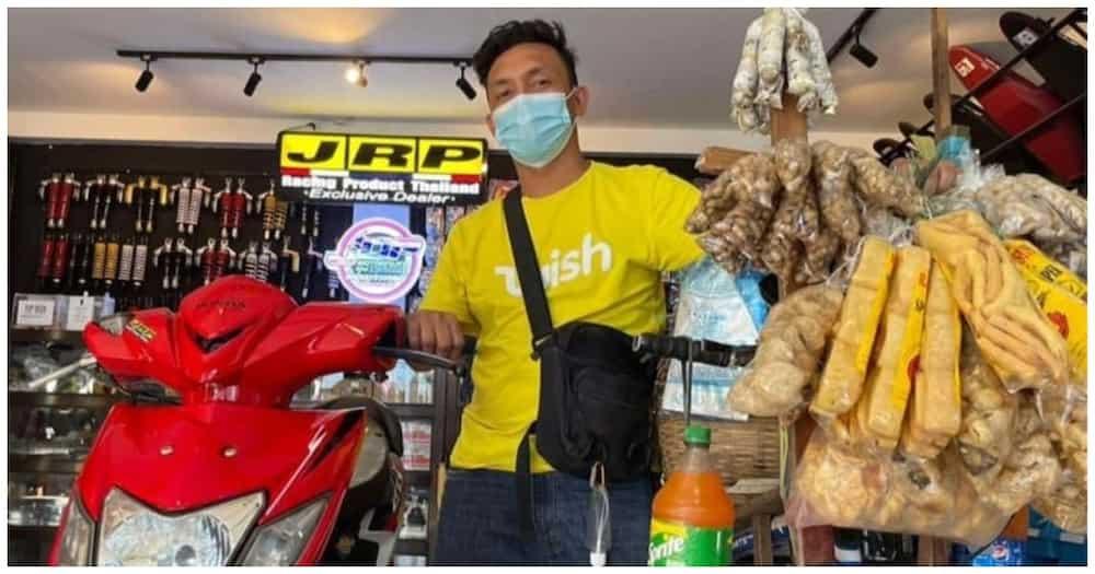 Sa tulong ng suki; Balut vendor, nabiyayaan ng pera at motorsiklo