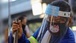 "Faceshields di na raw kailangan 'pag ""open-air setting,"" ani Health Undersecretary Leopoldo Vega"