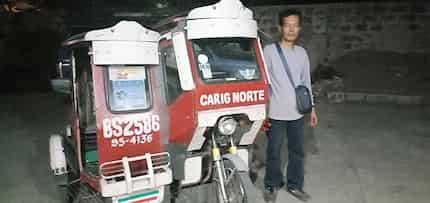 Dahil puro daw reklamo sa mga tricycle driver, 1 sa kanila nag-alok ng free ride