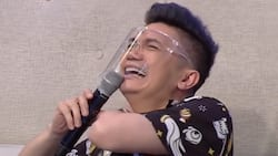 Vhong Navarro's hilarious fall off a couch caught on cam
