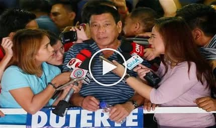 Humble Duterte surprises journalists by urging them to criticize him