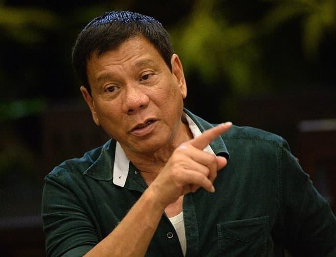 Duterte tinawag na 'incompetent' at 'unfit' maging presidente si VP Leni Robredo