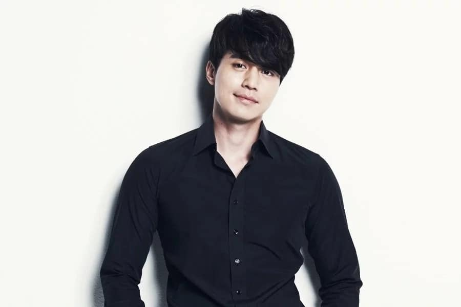 Five interesting things about Lee Dong Wook. There is more to him than meets the eye. Read on!