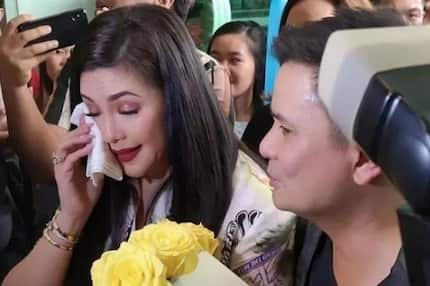 Regine Velasquez apologizes to fans moments after signing a contract with ABS-CBN