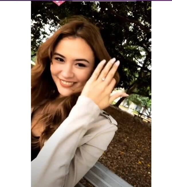 Engaged na! Cora Wadell shows off engagement ring