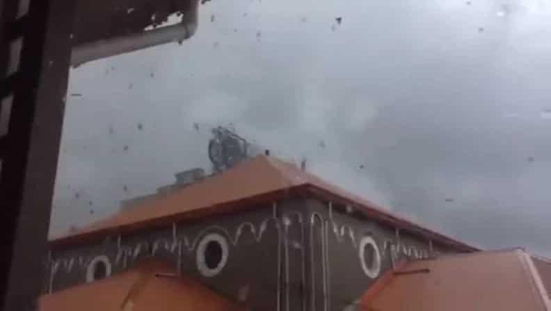 Dinig mga sigaw! Paglipana ng iba't-ibang bagay sa tornado sa Marikina nakunan sa video