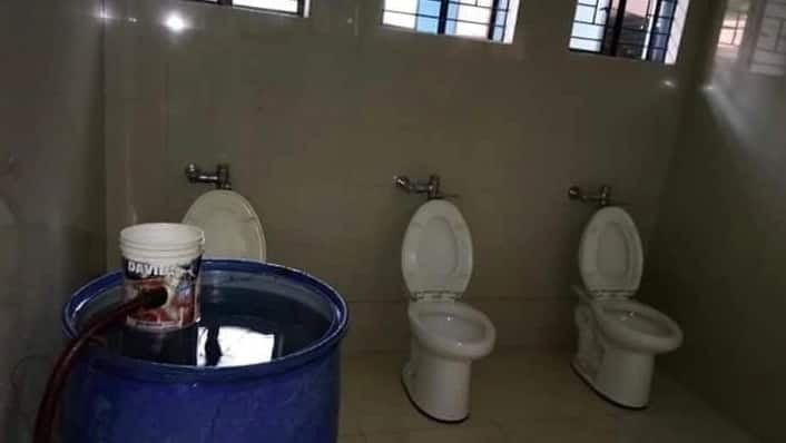Advance mag-isip! Photo of toilets at PNR station goes viral