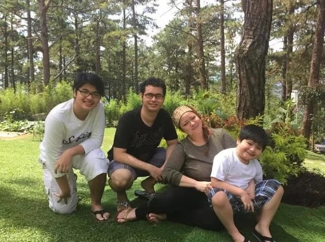 Manilyn Reynes is a real hands-on mom worthy of emulation