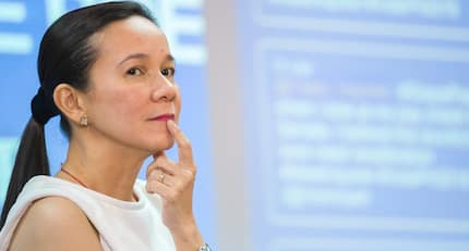 Supporter spotted: Poe in favor of granting Duterte with emergency power despite martial law threats