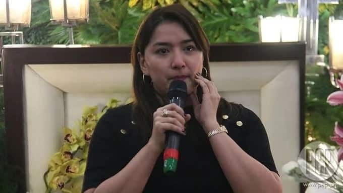 Ara Mina commits blooper during Direk Delos Reyes wake