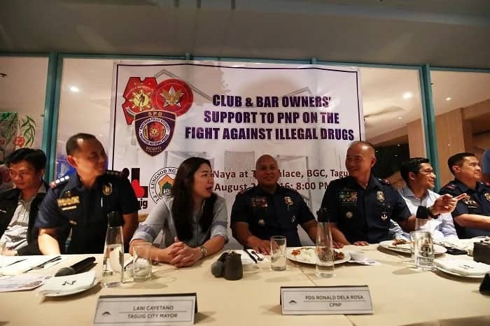 PNP chief Dela Rosa joins forces with bar owners vs drug trade