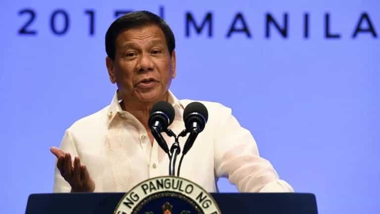 Pangulong Duterte, may isang kondisyon bago makipag-areglo sa ABS-CBN