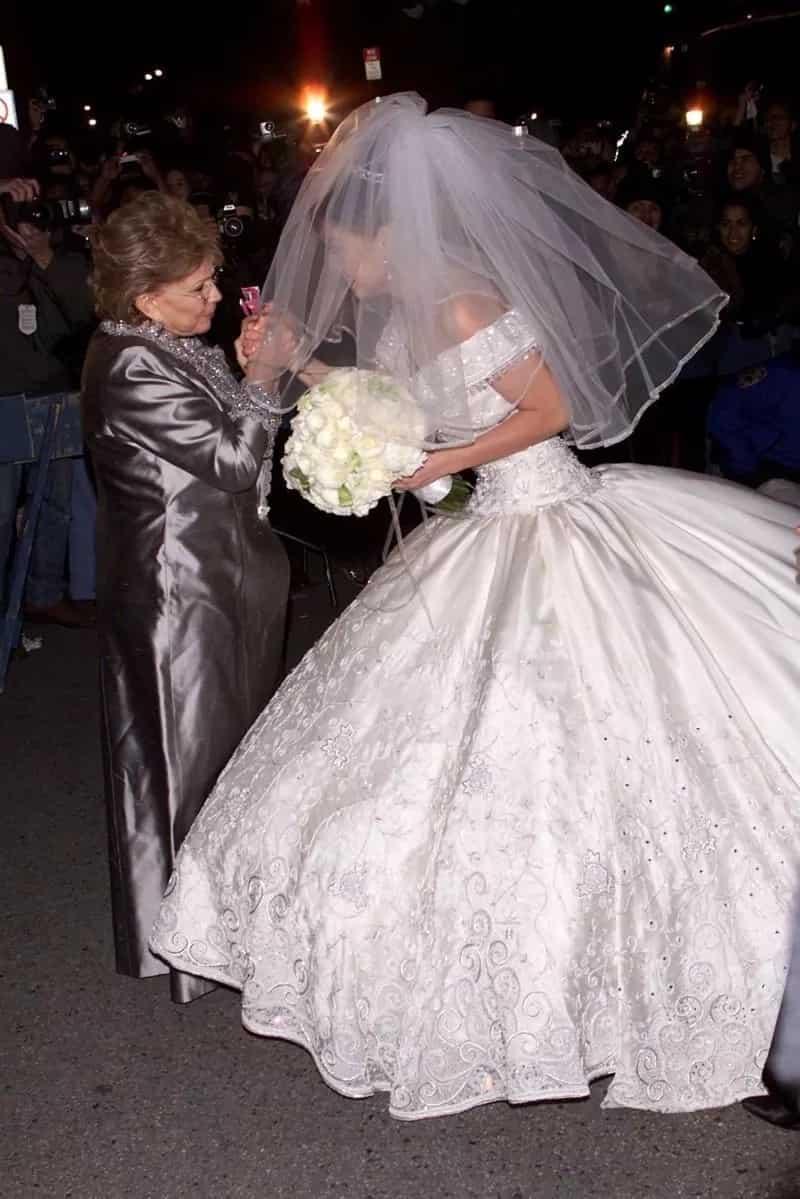Napakaganda! Thalia and Tommy Mottola's throwback wedding pictures