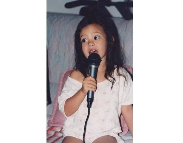 Heartwarming childhood photos of Catriona Gray go viral