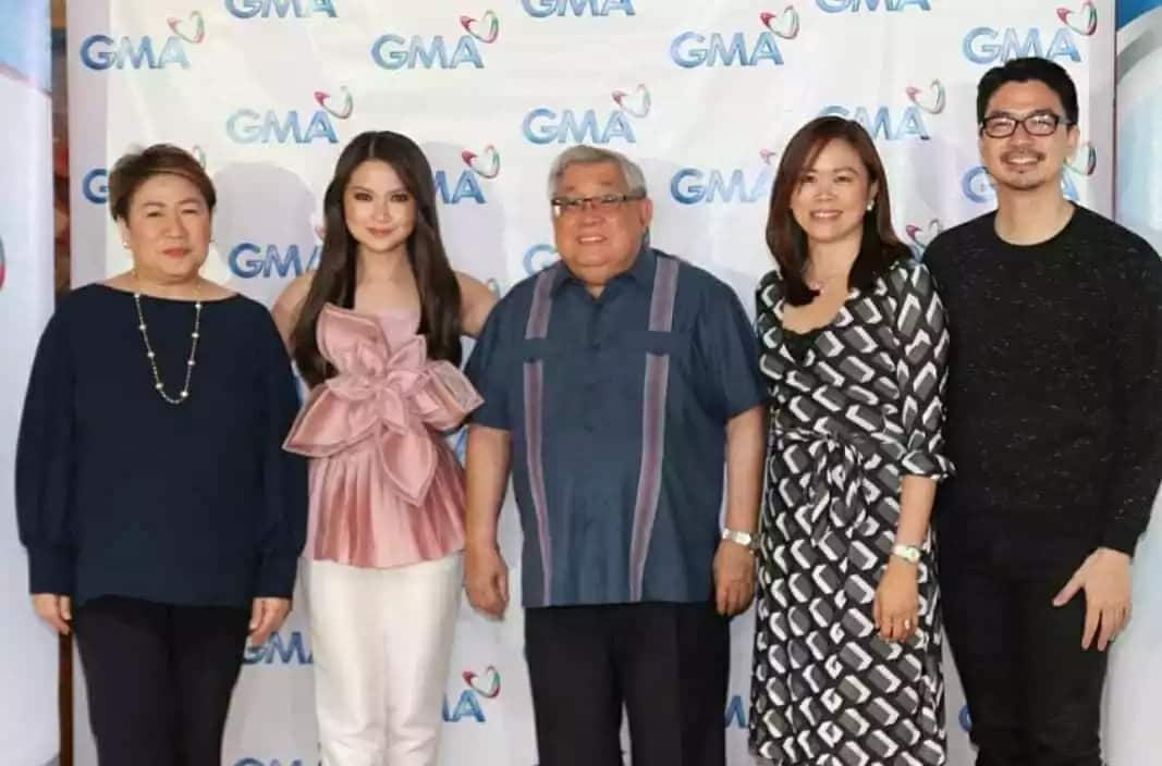 Inokray talaga ang ayos niya! Barbie Forteza gets bashed for her blouse and makeup during her contract signing with GMA