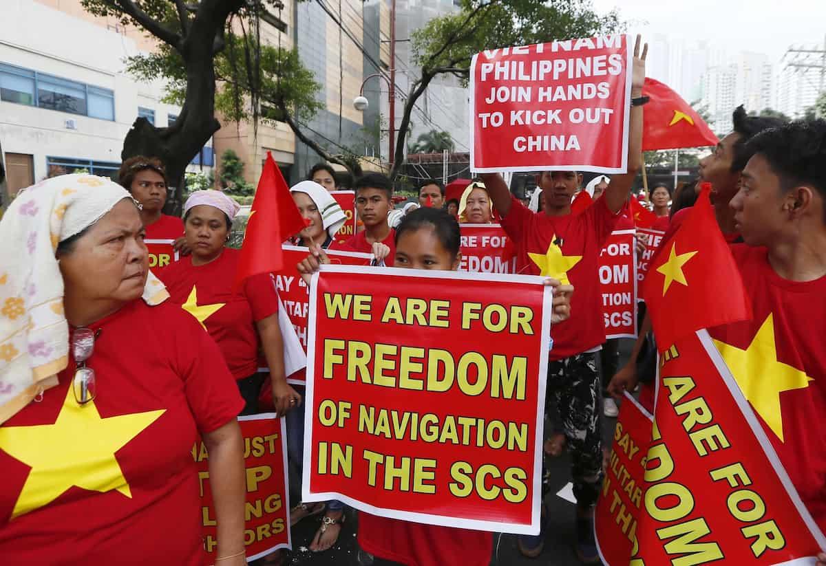 Vietnamese celebrate PH victory vs China
