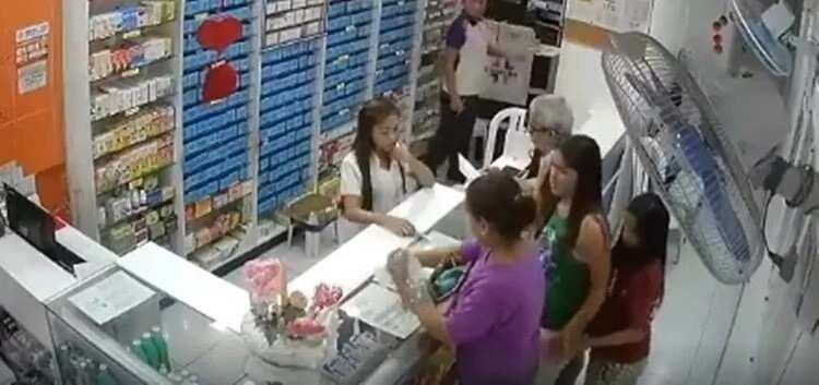 Two ladies steal wallet of old man buying medicine at drug store