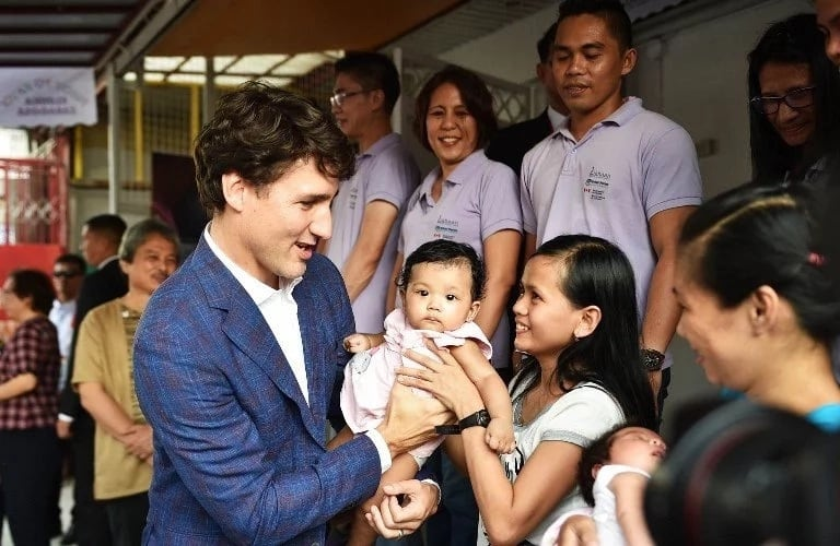 Canadian PM Justin Trudeau at Likhaan, a women's advocacy center in Manila. PHOTO from Rappler.