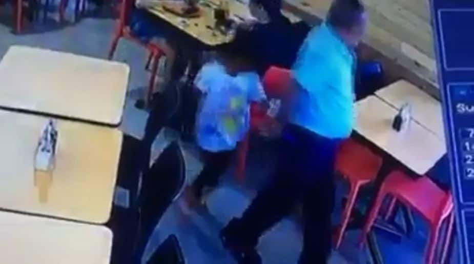 Father uses daughter to hide bag he stole from unsuspecting customer