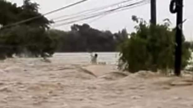 Ompong's wrath: Man trapped in raging flood successfully rescued by selfless modern-day heroes