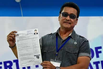 Comeback is real! Lito Lapid files COC for senatorial race