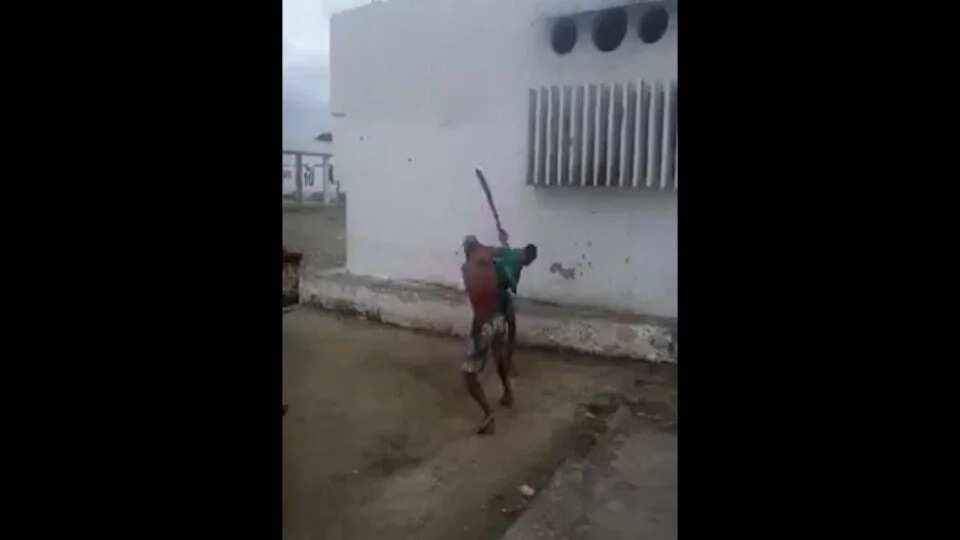 Machete wielding maniacs are fighting in Brazil
