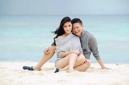 Hashtag, husband goals! Sen. Chiz Escudero as a loving husband to Heart Evangelista