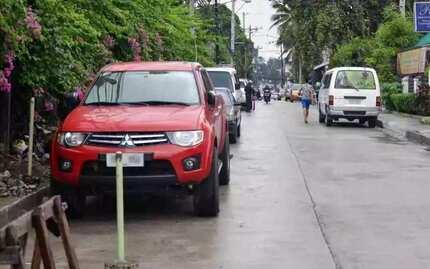 Netizens, nag-react na sa panukalang 'no parking space, no car'