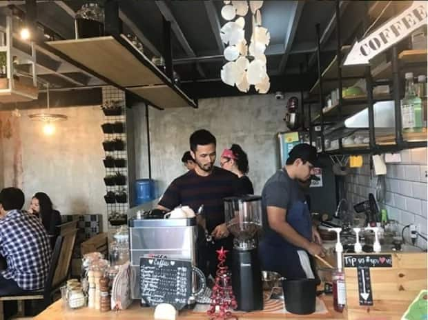 Masisipag na mga bata! Kristine Hermosa proud of her diligent kids for helping her out in their cafe