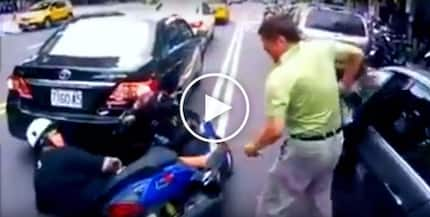 Hari ng sablay! Clumsy elderly man causes 2 shocking traffic accidents in span of 15 seconds