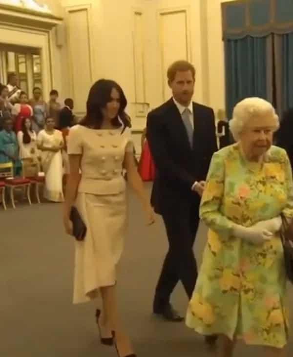 Prince Harry di hinawakan ang kamay ni Meghan Markle sa isang event, binitawan na parang napaso