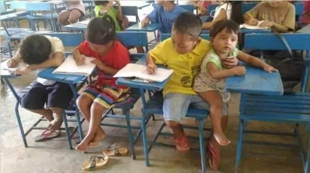 Grade 1 student brings 1-year-old brother to school so that he will not be absent
