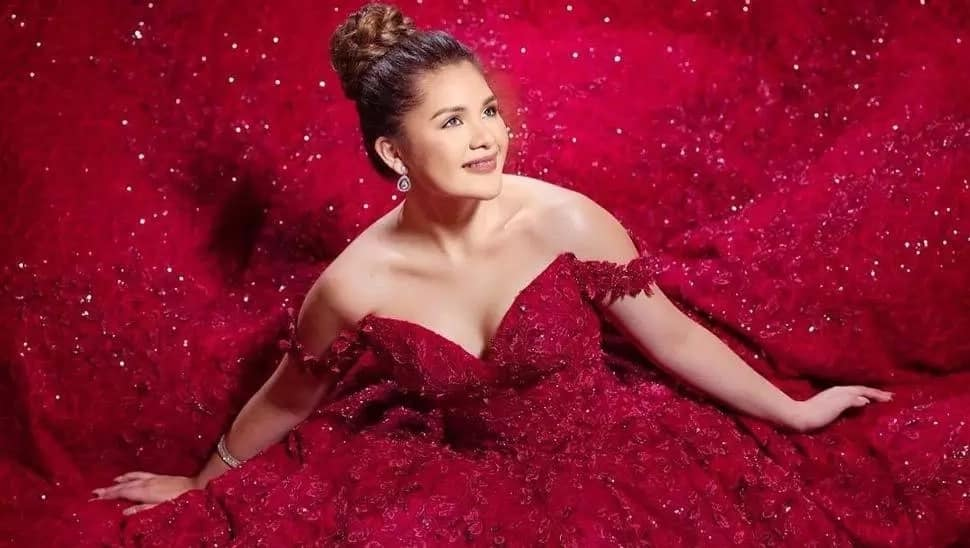 Isabelle Duterte's debut invitation is a symbol of luxury and opulence