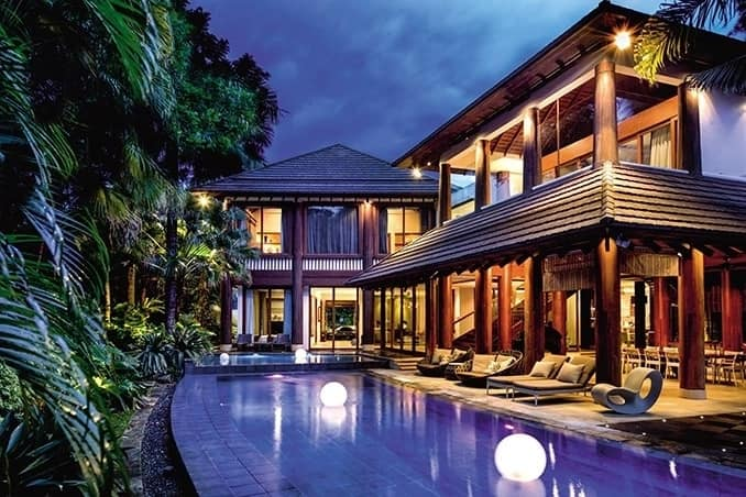 Willie Revillame's enormous house in Quezon City looks like a luxurious resort