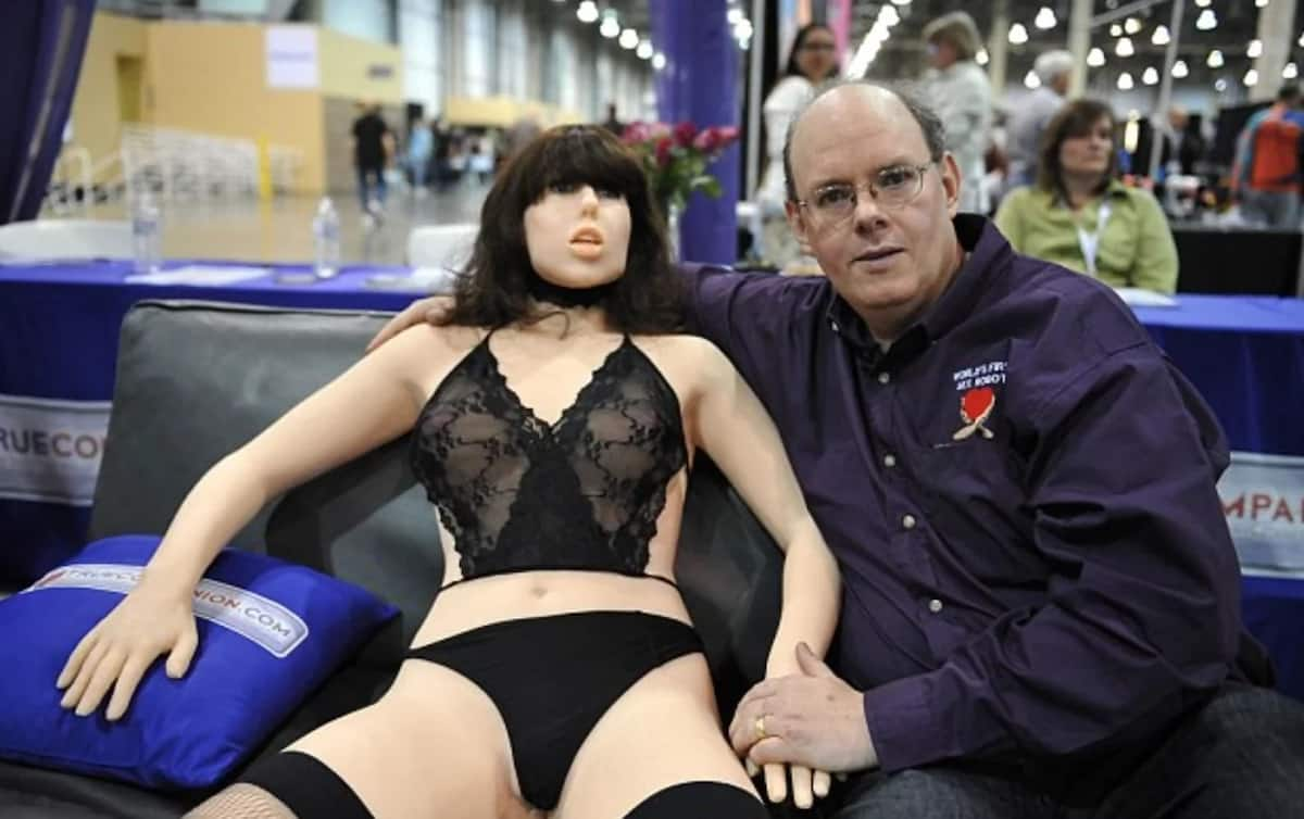 Sexbots to decrease STDs and human trafficking