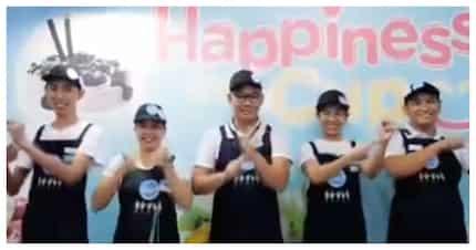 Empleyadong walang pandinig, masayang nagtatrabaho sa ice cream stall sa Makati