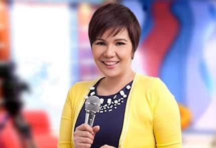 Feel na feel! Tiyang Amy Perez suddenly sheds tears in the midst of hosting 'It's Showtime'