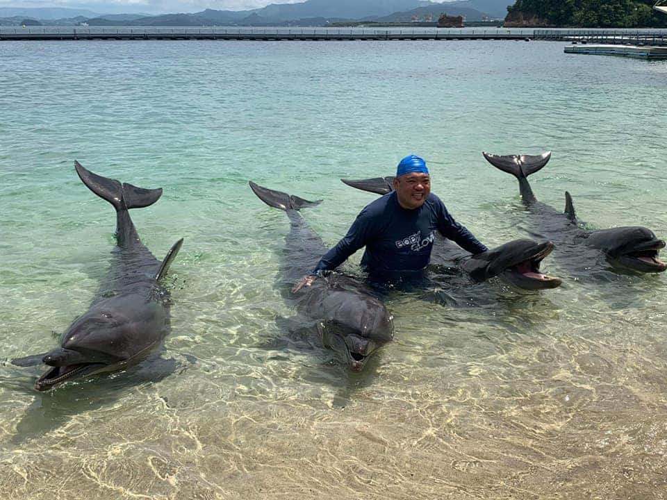 Relax muna! Harry Roque enjoys trip to Ocean Adventure in Subic amid GCQ