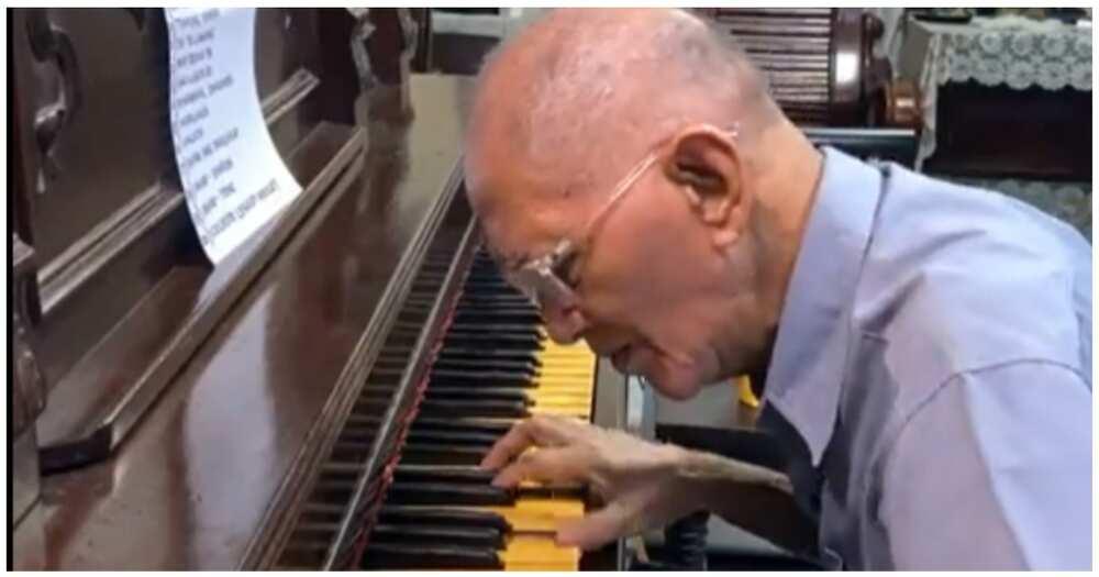 72-anyos na pianist sa mall, halos 2 oras nag-online show para sa kanyang mga gamot