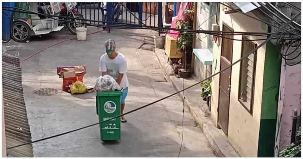 Kapitan ng naka-lockdown na barangay, hinangaan sa pagkolekta ng basura ng mga residente