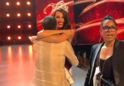 Priceless moment of Catriona Gray & designer Mak Tumang after win touches netizens