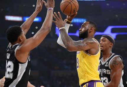 Lakers remains winless as Lebron James misses his shots