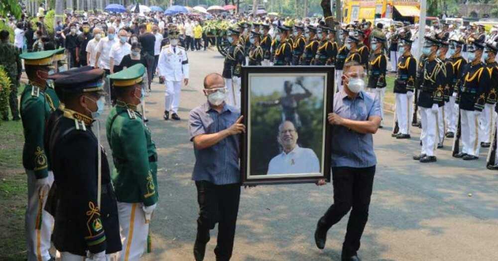 Pangulong Aguino, binigyan ng full military funeral honors; pagpaparangal, pinangunahan ng AFP Chief of Staff