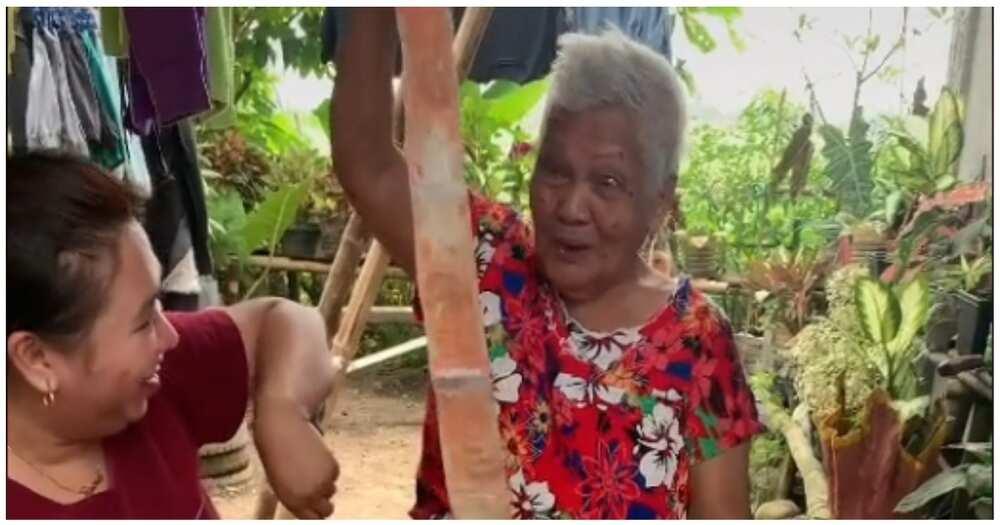 Lola na labis na natuwa sa natanggap na money cake, umantig sa puso ng netizens