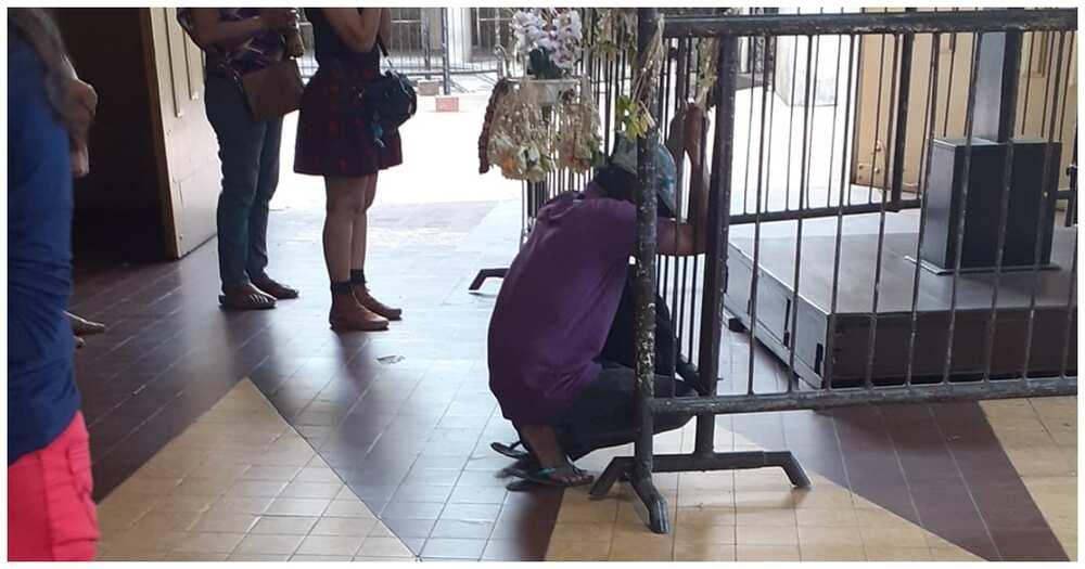 Lalaking nawalan ng trabaho, naiyak at napadasal nang biglaang nakatanggap ng P3,000
