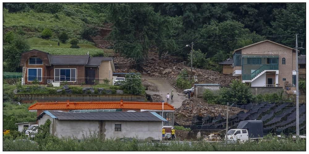 Landslide at malawakang pagbabaha, nanalanta sa South Korea