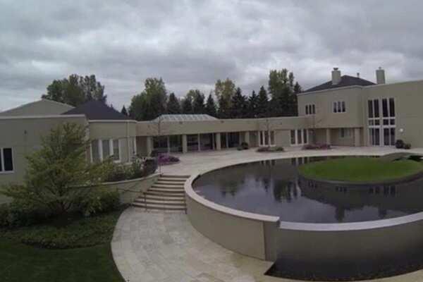 Yayamin na tunay! Ang mega-mansion ni Michael Jordan