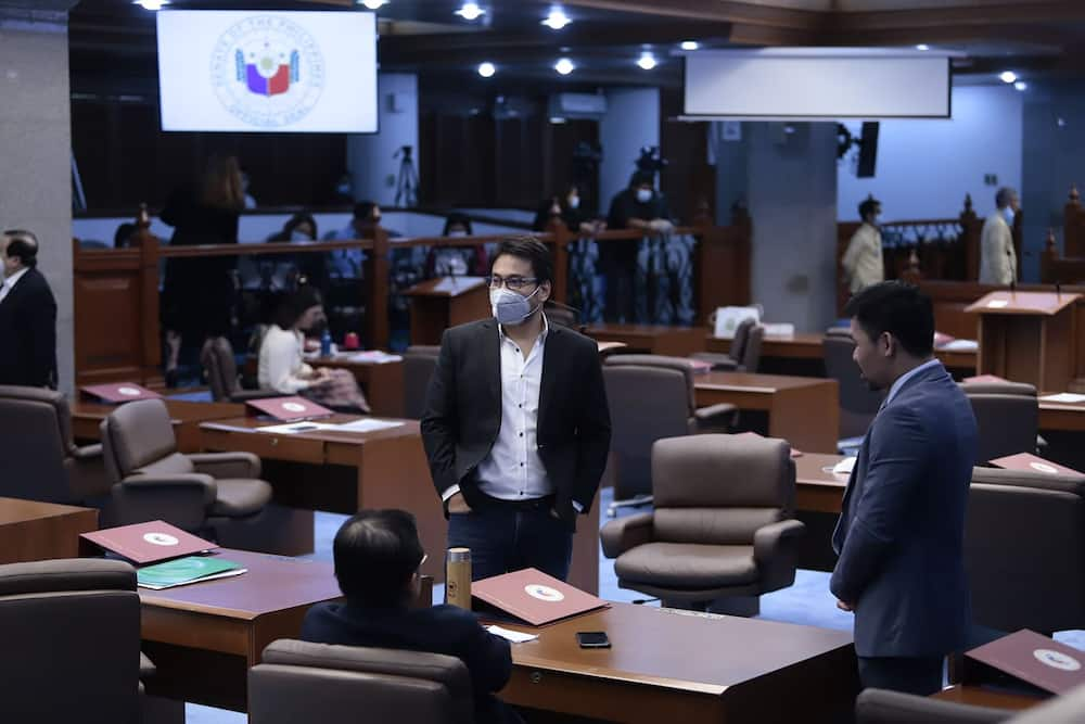 Sen. Bong Revilla gets rushed to the hospital; gives important update about his health