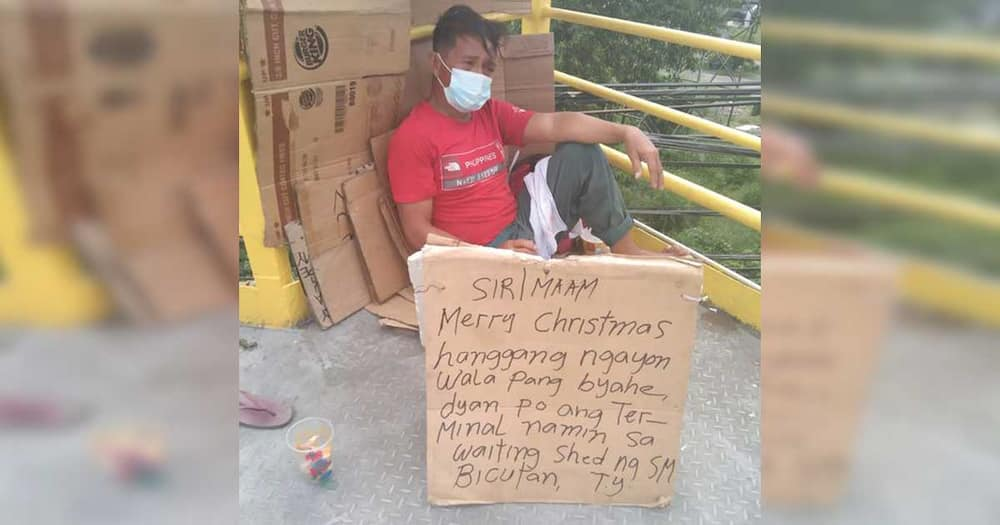 Photo of exhausted hungry man still waiting for biyahe goes viral